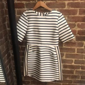 SZ 6 Black ans Ivory Striped Topshop Dress